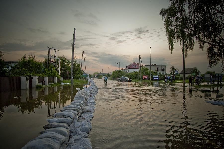 Powódź 2010, Jelcz-Laskowice, ul. Wrocławska