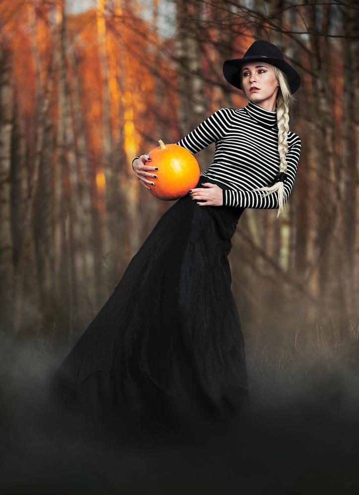 Jesienna opowieść by Wojciech Grzanka