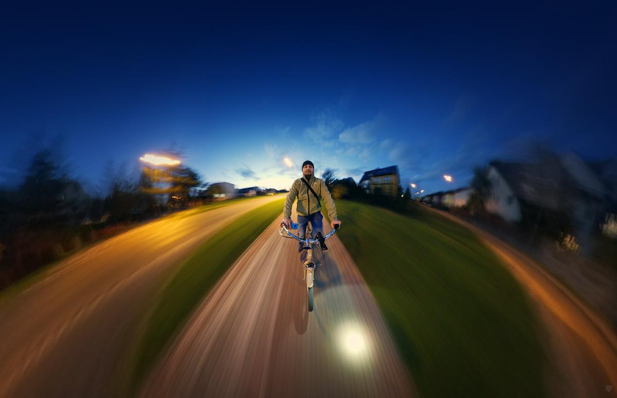 Cyklista by Wojciech Grzanka